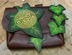 Merchandise OMNIA Leaf Purse